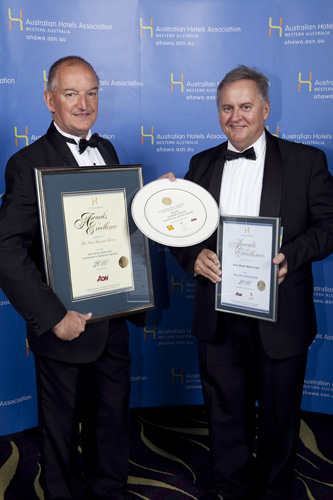 Aon Risk Services Community Service Award - The Gate Bar and Bistro